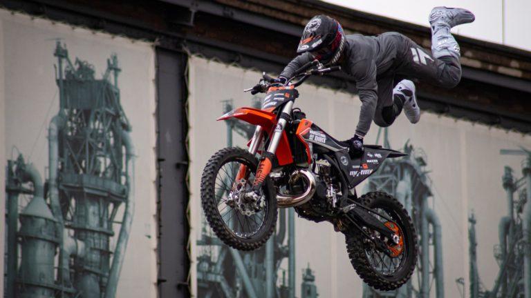 motorcycle-sport-4287543_1920